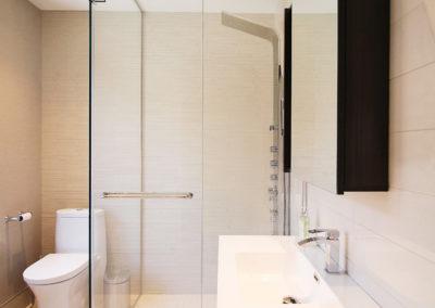 Unit B Bathroom 2-3