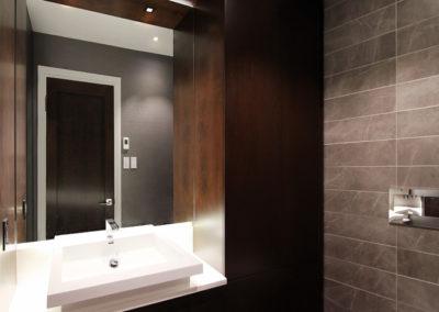 Unit B Bathroom 4-1